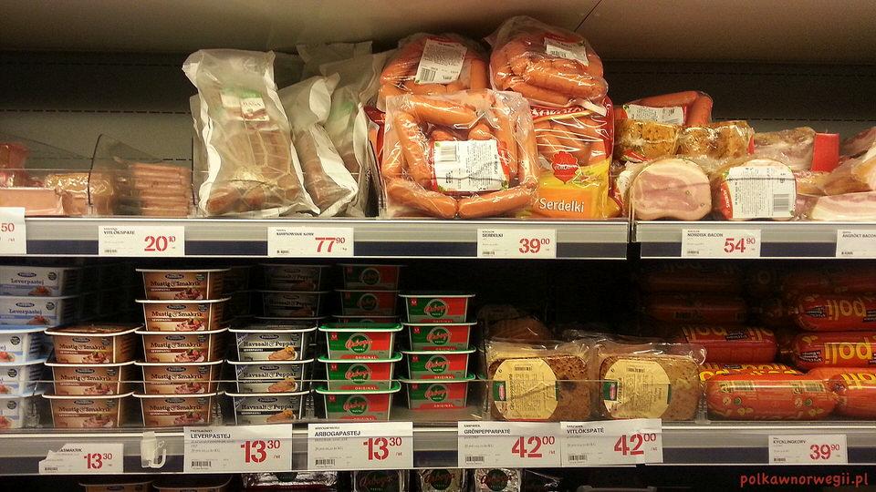 Na zakupy do Szwecji_polskie wędliny na szwedzkich półkach.
