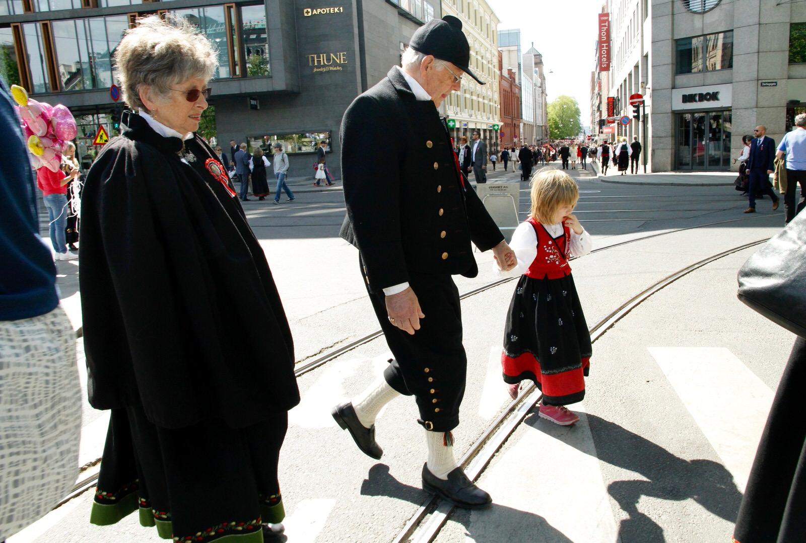17 maja - norweskie święto narodowe - świętują całe pokolenia.