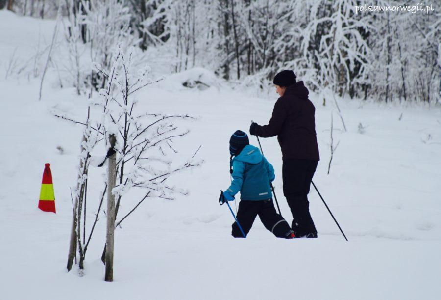 Dziecko mieszkające w Norwegii z jednym rodzicem.